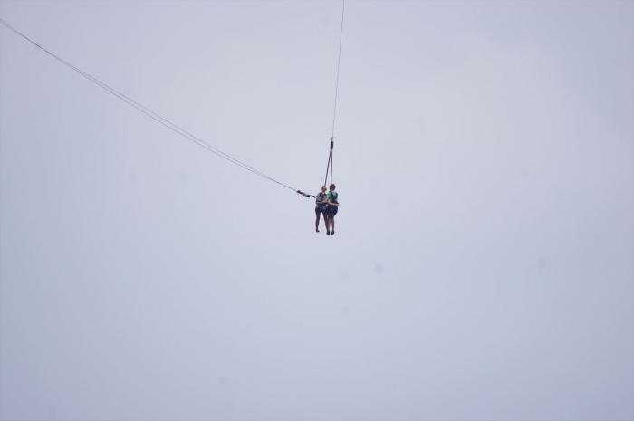 ビクトリアの滝つぼへ (24)