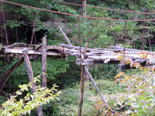 東俣の吊橋1