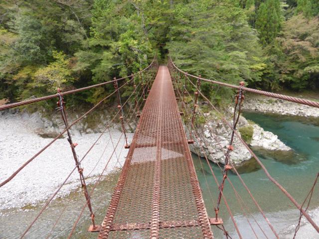 南川の吊橋2e