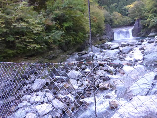 にくぶち滝の吊橋8