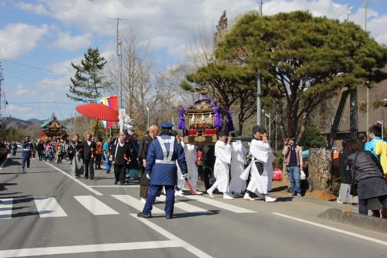 熊野神社の屋台会場入り