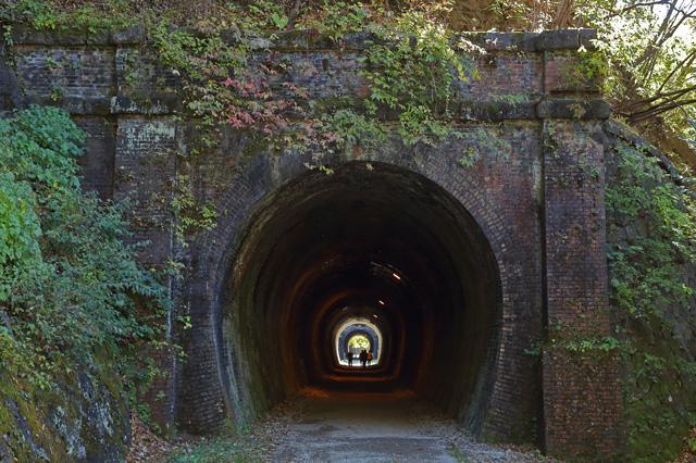 アプトの道@トンネルが続く