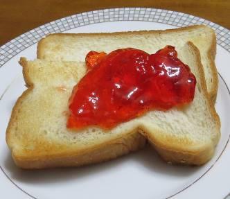 カリンジャムと食パン