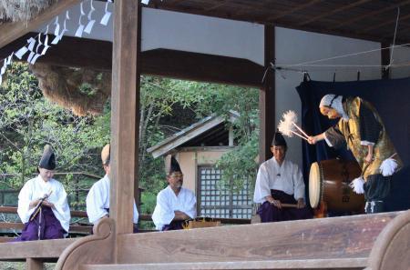 郷之崎神楽団 八幡1