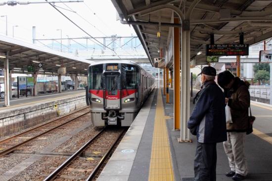 ⑪呉駅ホーム (550x367)