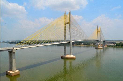 2015-11-8カンボジアのつばさ橋