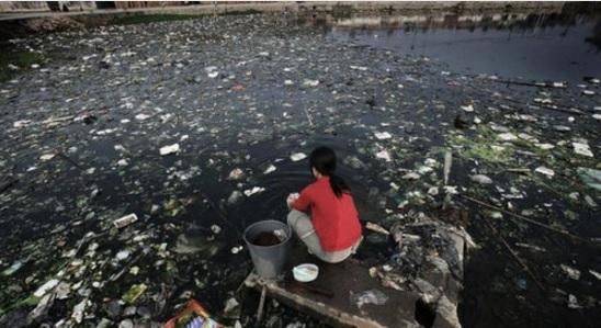 2015-11-30中国の河川汚染