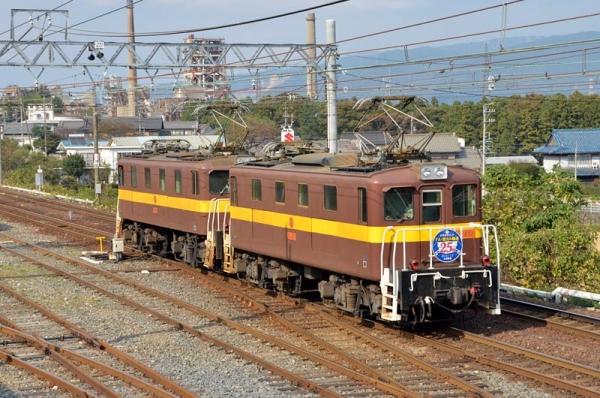 東藤原に到着した503レ(2015年10月30日)