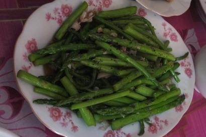 アスパラガスの炒め物(ラオス)