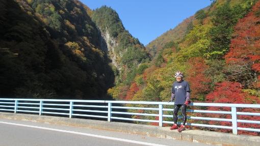 10月16日大町ダムまでの紅葉バイクラン (5) (510x287)