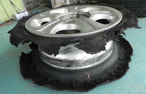 タイヤのバースト