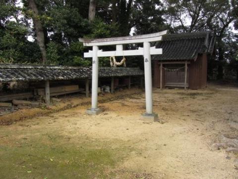 一里山一里塚近くの神社