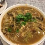 白菜と魚の皮の煮込み