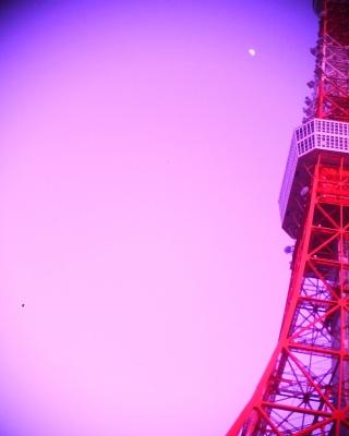 東京タワーと月なのに真っ赤っ赤:R2