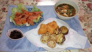 晩御飯 天ぷら・鮭粕汁・ひじき・サーモンサラダ