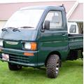 緑の軽トラック