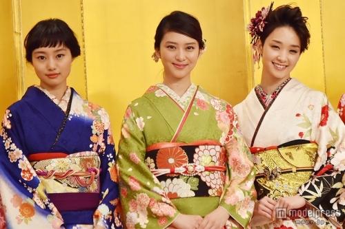 武井咲、剛力彩芽らオスカー美女11人が華やか晴れ着で豪華集結!