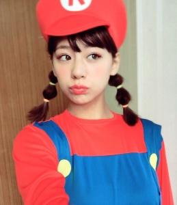 """西内まりやがマリオのコスプレを披露 TwitterとInstagramで""""西内マリオ""""が可愛いと話題に"""