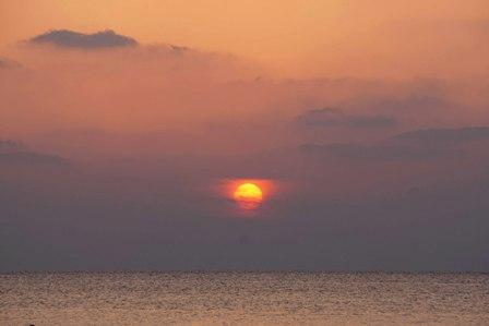 おぼろ夕陽3月28日18時51分 DSC04274