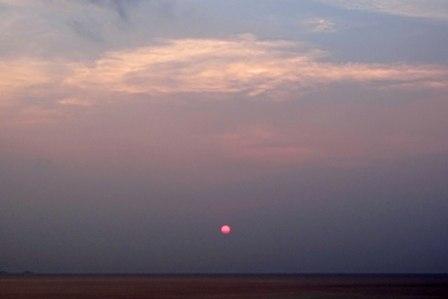 夕陽3月30日18時46分日没13分前 DSC04966