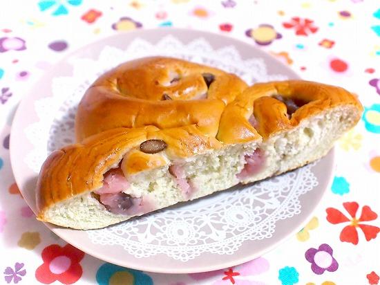 春の桜あんと狭山茶のパン03@神戸屋