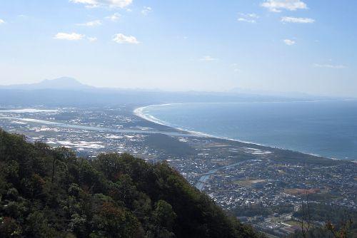 大社湾と三瓶山