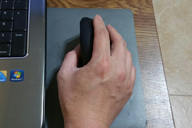 Anker_Ergonomic_Wireless_Vertical_Mouse_05.jpg
