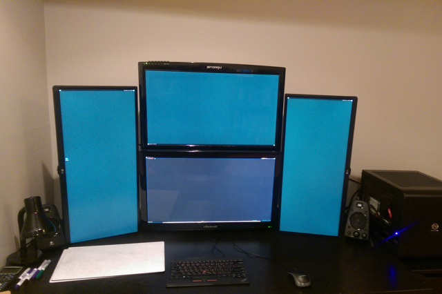 PC_Desk_UltlaWideMonitor09_17.jpg