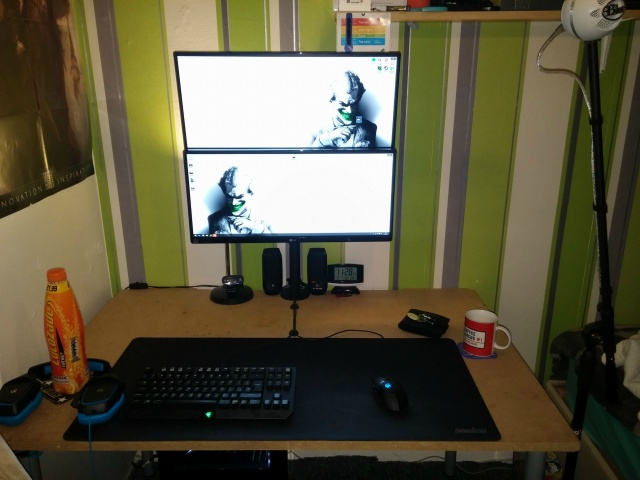 PC_Desk_UltlaWideMonitor09_40.jpg