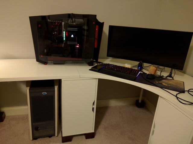 PC_Desk_UltlaWideMonitor09_42.jpg