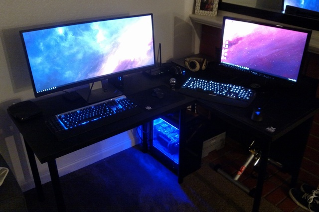 PC_Desk_UltlaWideMonitor09_50.jpg