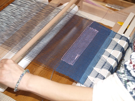 P3190008 そえ糸織り