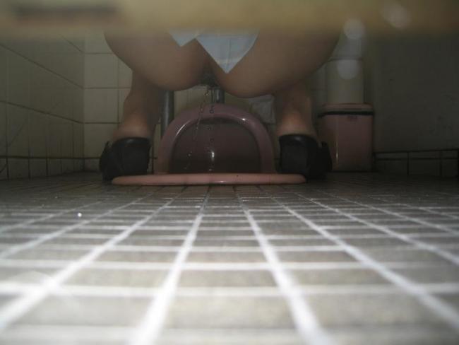 和式トイレ盗撮画像 26
