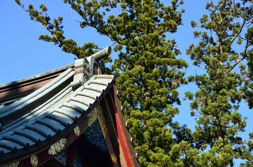 Shrine detail on Takaosan