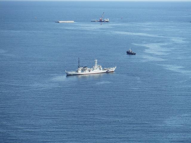 釜石湾口防波堤の復旧と巡視船