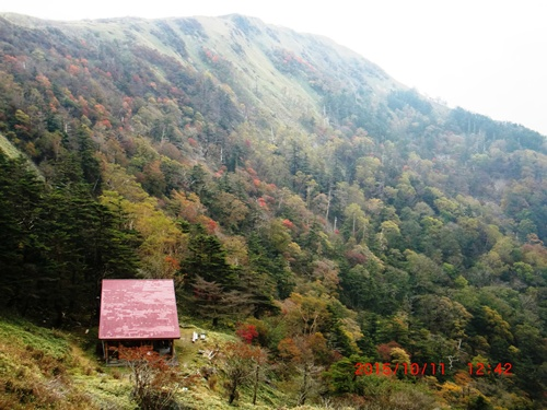 064 お亀岩避難小屋