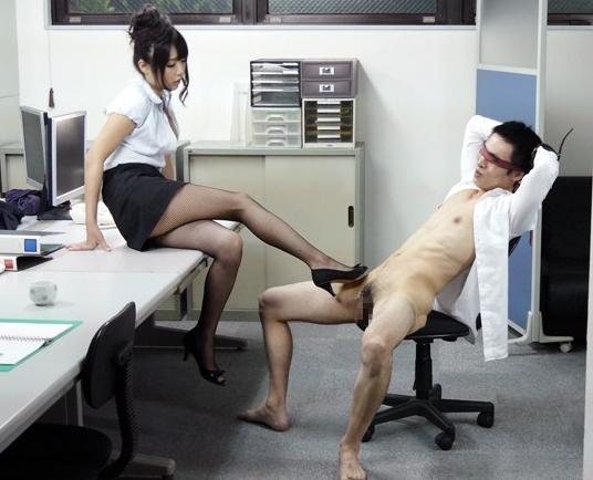 つぼみチャンにドエスな淫語とパンストの足裏で足コキされ昇天の脚フェチDVD画像6