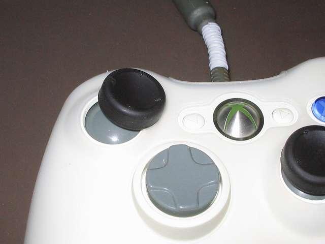 Xbox 360 コントローラーのアナログスティック干渉トラブルのため、アナログスティックの高さを調節改造してみました
