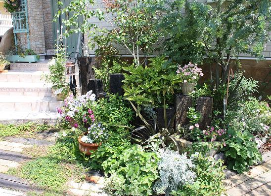 2009Junegarden2.jpg