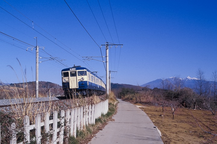 620405中央線新府-穴山間_115系普通列車_001