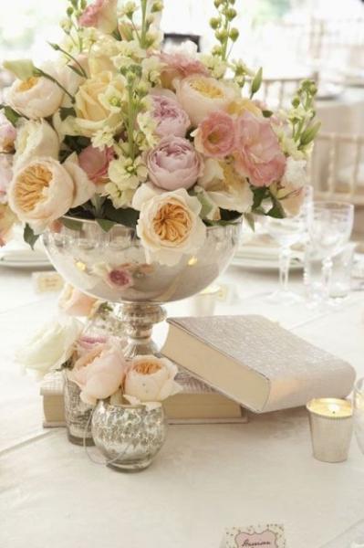 24-Elegant-Ideas-For-A-Book-Inspired-Wedding23.jpg