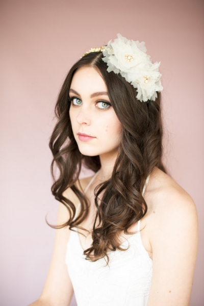 Romantic-Vintage-Inspired-Bridal-Hair-style.jpg