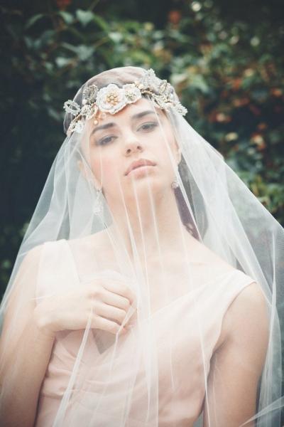 Romantic-Vintage-Inspired-Bridal-Headpieces-12.jpg