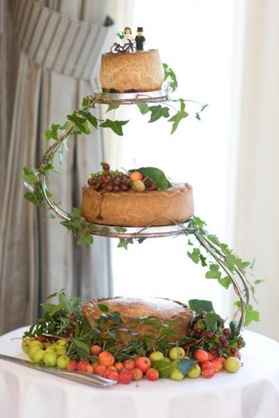 cake_love_pork_pies_ivy.jpg