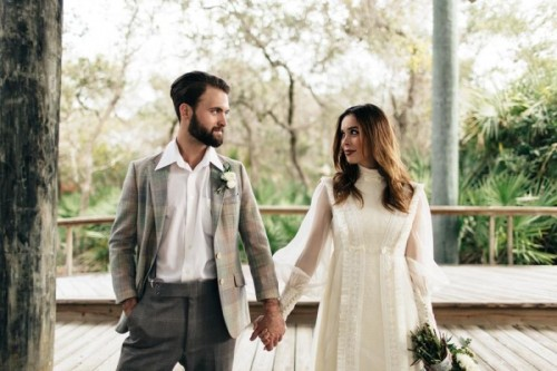 eclectic-chemistry-inspired-wedding-shoot-at-the-atlantic-art-center-21-500x333.jpg