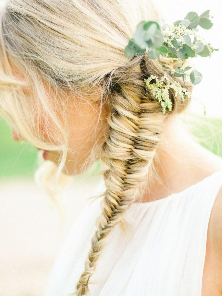 fishbone-braid-hairstyle-inspiration-pinterest.jpg