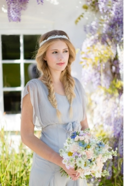 romantic-and-messy-diy-fishtail-braid-wedding-hairstyle-10.jpg