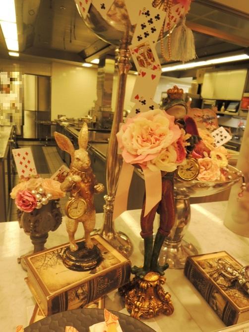 京王プラザホテル 樹林 「アリス in スイーツブッフェ」  不思議の国のアリスの世界を見て楽しめて&食べて楽しめる、童話の世界が展開されていました!