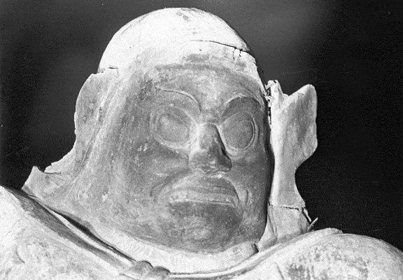 昭和46年探訪時に撮影した黒石寺四天王像の写真