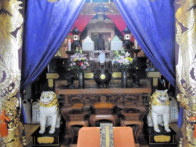 浄山寺本堂の厨子に祀られる秘仏・地蔵菩薩像